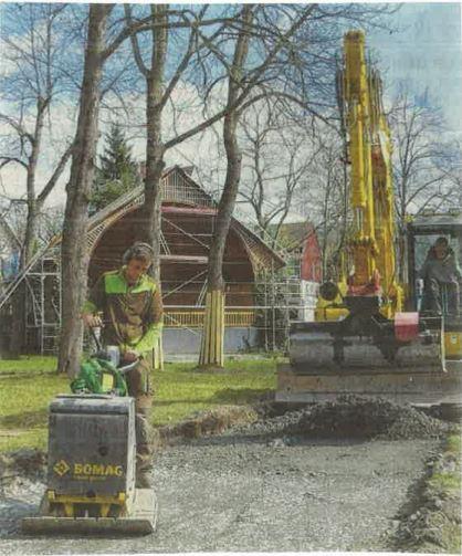 Arbeiten am Schlosspark in Erlbach